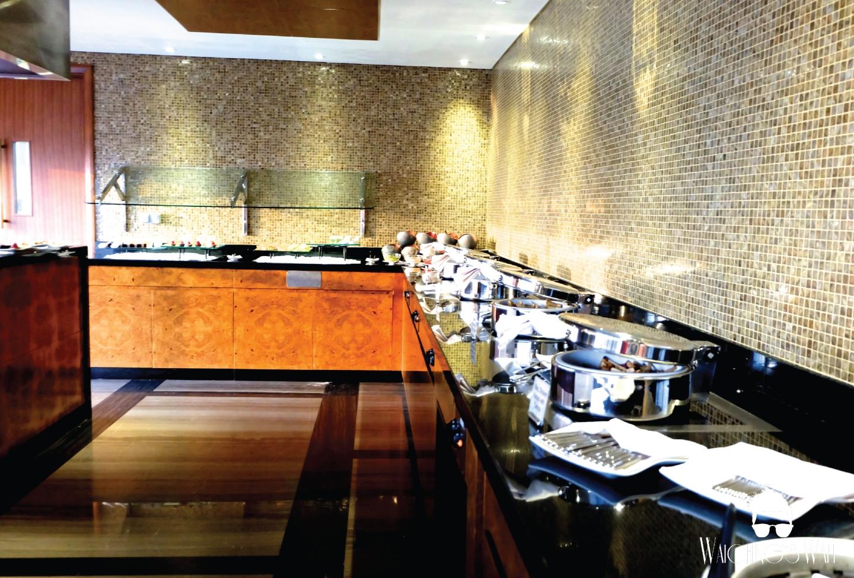 Dusit Thani_Club Lounge_Waiching's Wall-06